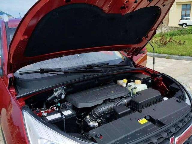 五菱首款SUV发布,7座布局5万的售价
