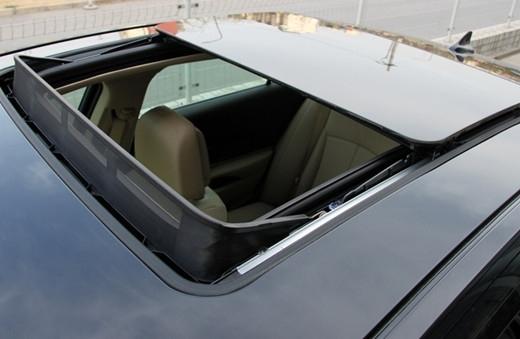 别小看车窗,大部分人都不知道怎么开