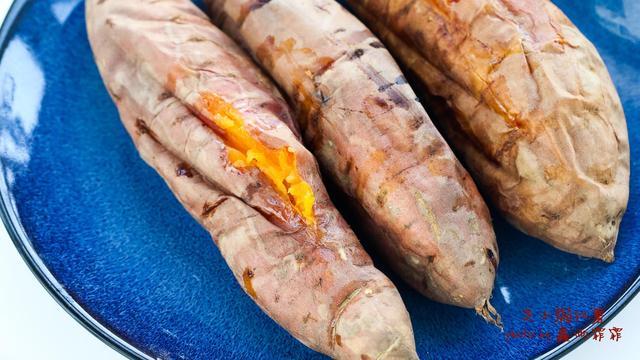 红薯别再直接烤了,放上它,好吃的要晕过去,营养翻倍,味道升级