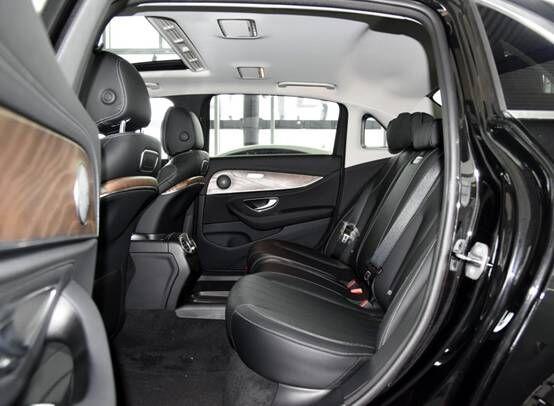 奔驰E级,哪个型号的性价比最高?