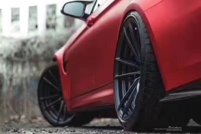 宝马三系M3汽车车身改色哑光电镀红贴膜效果图 超级骚亮