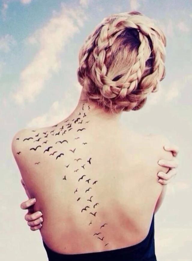 那些个性,帅气的纹身图案成日里轰炸着小编的视觉神经,搞的心痒痒.
