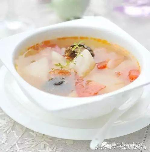 调料300克萝卜:萝卜2个,鱿鱼3克,陈皮4片瘦肉老鸭,做法飞水,蜜枣生姜出听图片