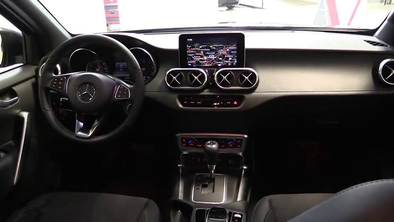 首台奔驰X级皮卡到店实拍, 霸气超福特猛禽, 明年入华或26万起售
