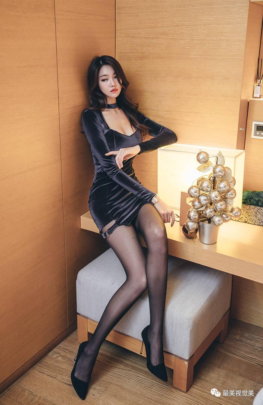 女神朴正允优雅连衣裙黑丝装,性感时尚