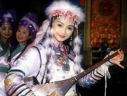 因《还珠》香妃成名,25去世,赵薇林心如悼念,琼瑶因她图片