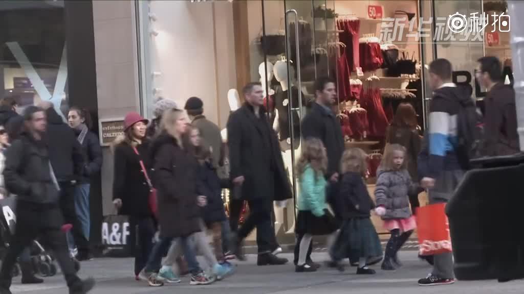 黑五购物季 美国商家线上线下齐发力
