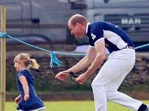 英国王室最调皮可爱的小公主,天生萌自带表情包杠把子天后