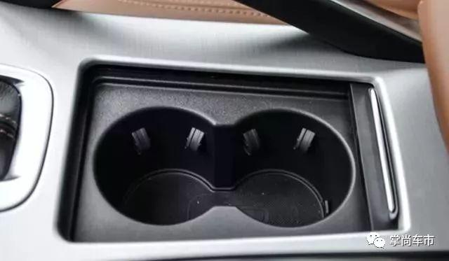 这些车内的细节设计,实在贴心