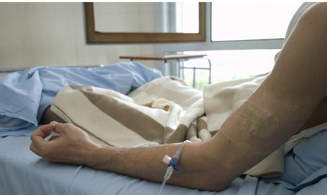 患癌后再痛苦也要放化疗,每天坚持吃1样菜,癌细胞十分忌惮