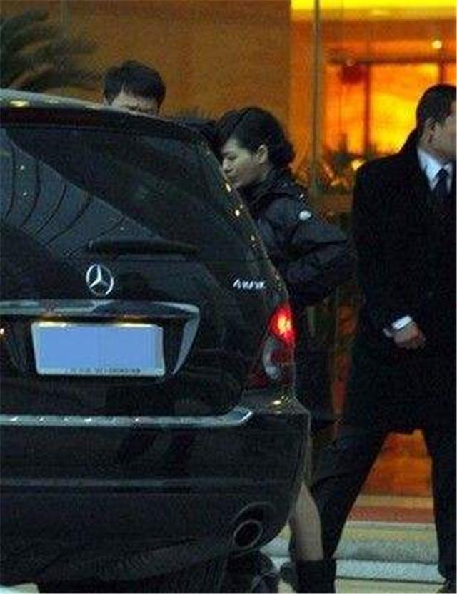 曾拍吻戏口臭熏人的明星,今一个个身价不菲,坐拥豪车!