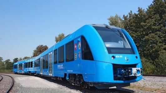 电动好还是氢燃料好?阿尔斯通造了辆氢能列车后或狠推氢能