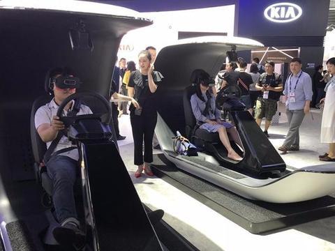 """一款概念车、多种互动设备,起亚用""""体验""""让科技变得更鲜活"""