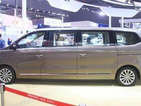 国产加长版MPV,搭载宝马发动机,<em>车载电视</em>机+冰箱,车长达6米