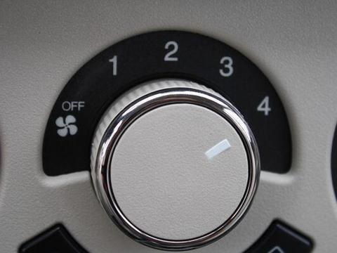 炎炎夏日这样用汽车空调伤人又毁车,新手应该小心!避免这些
