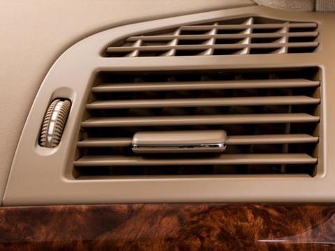 因冷凝<em>器</em>散热不良或其他零部件过热使其温度急剧上升