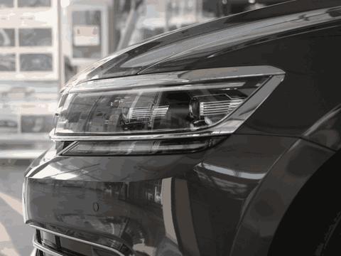 二线豪华轿车的实力产品, 3.0T标配空气悬挂, 就因为车标没销量