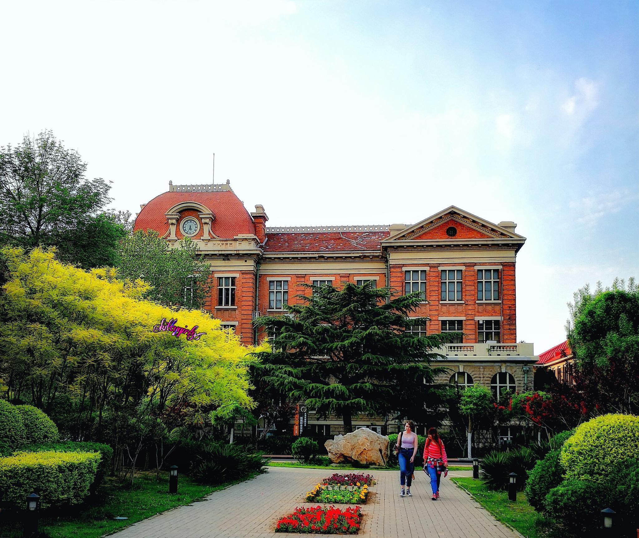 天津外国语大学(手机原创摄影作品)