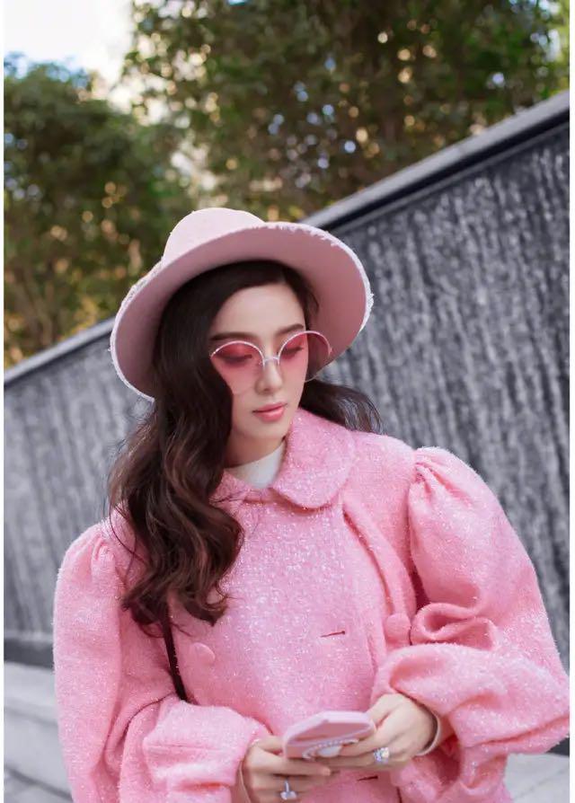 范冰冰时尚靓照,全身粉嫩新造型,范爷秒变小女人