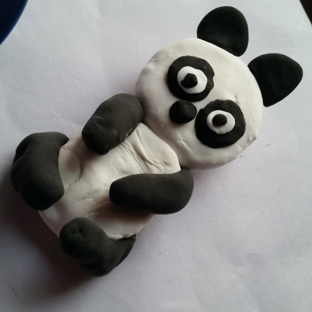 小朋友假期最爱的彩泥小手工制作吃竹子的熊猫做法教程