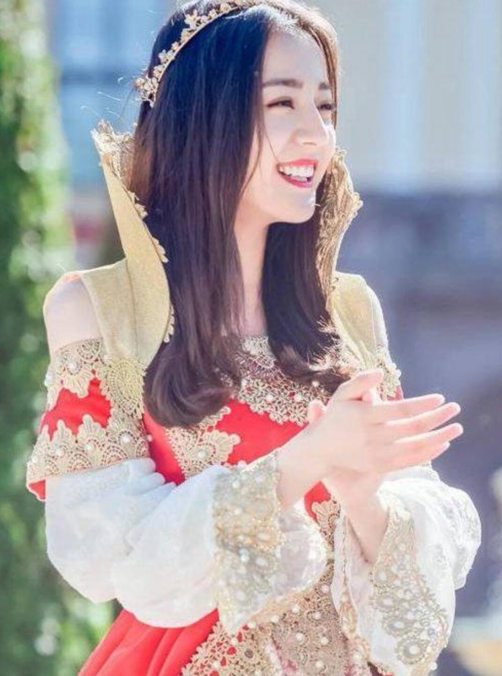 盘点女星的公主造型:热巴美翻了,谢娜变身蒙古公主,最后一位最美!