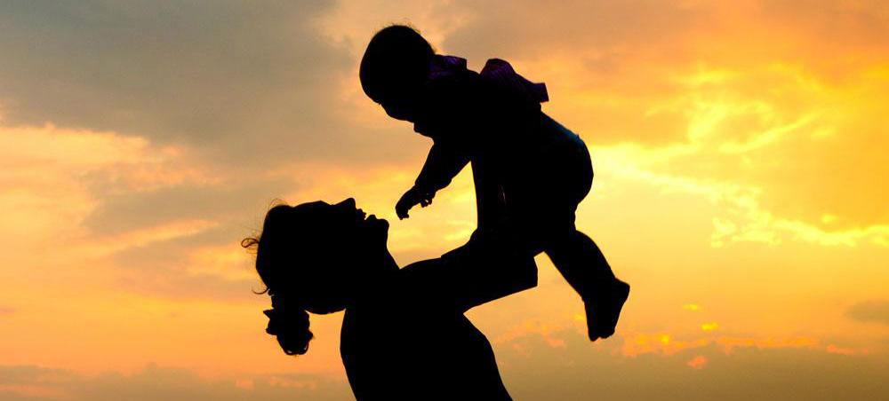 年轻妈妈离世 给2岁儿子留催泪视频