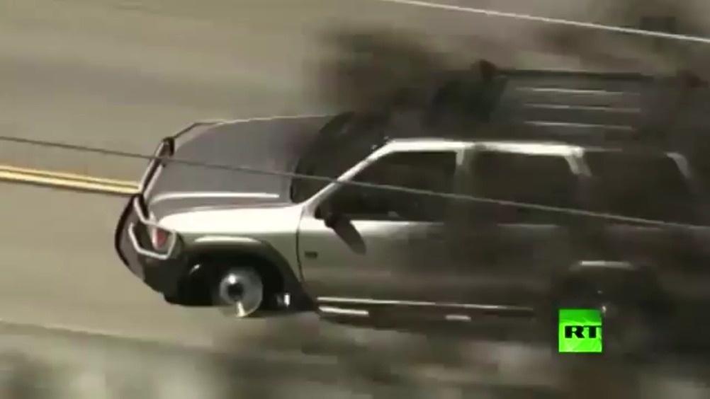 谁能告诉我这件事儿的真相?轮胎爆胎了还继续开,最后被枪指着?趣你的汽车 ...