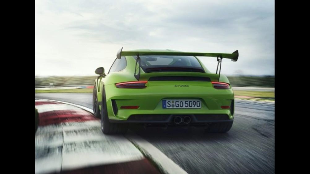 采用4.0L水平对置六缸自然吸气 2019款保时捷GT3 RS  ?