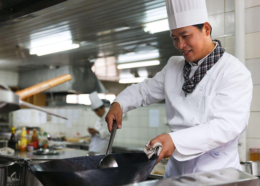 炒菜最关键的是火候,老厨师教你4个小技巧!值得收藏图片