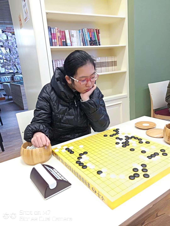 晚报杯上的女棋手和小棋手