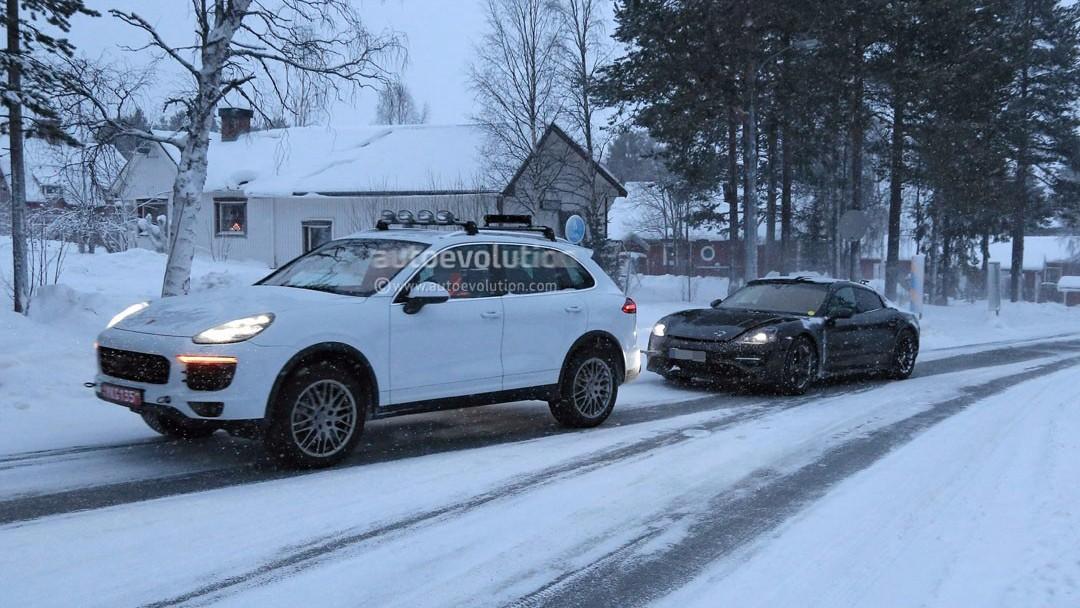 保时捷首款纯电动车冰雪测试竟趴窝!只能靠卡宴往回拖...…