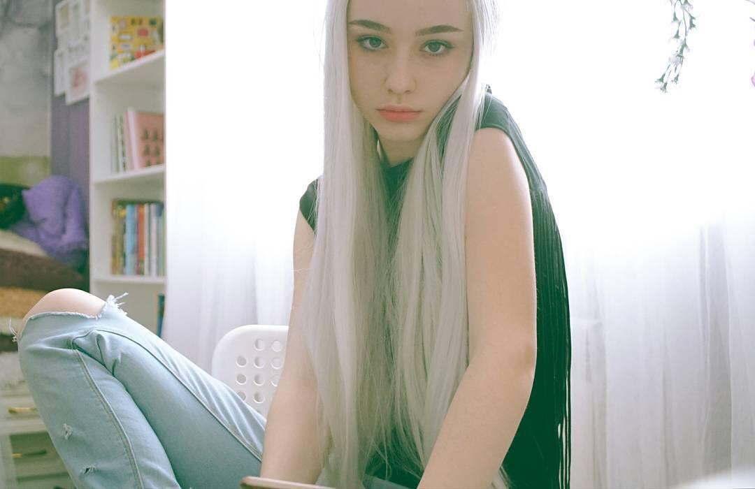今天介绍一个18岁的俄罗斯模特dasha taran,纯纯的美美的啊!