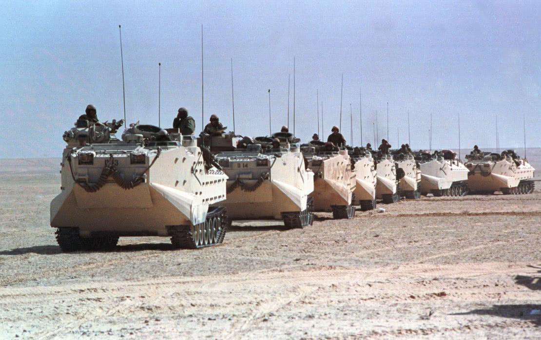 第一次海湾战争老照片:以美国为首的34个国家围攻伊拉克