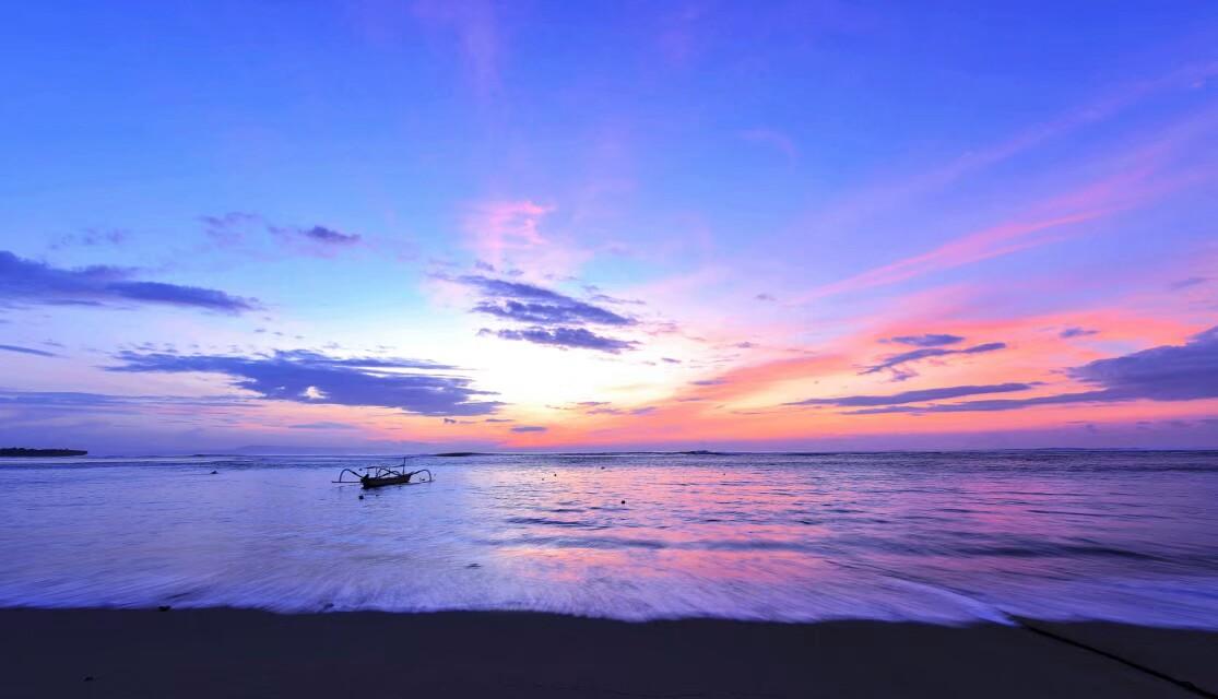 《海上生明月》拍摄于巴厘岛.