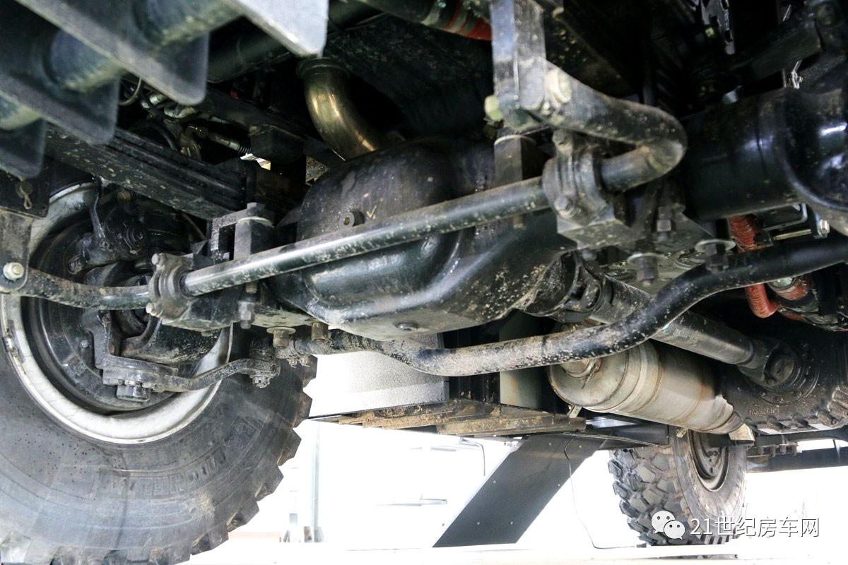 越野房车发烧友自主研发国产越野房车 拿C本开最唬人的房车