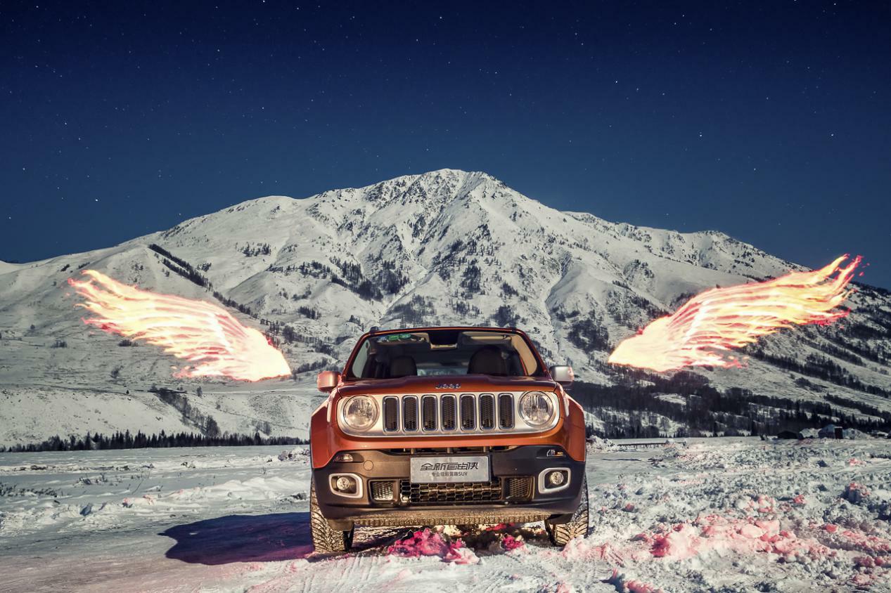 冰雪中撒花的精灵 Jeep自由侠四驱轻松搞定