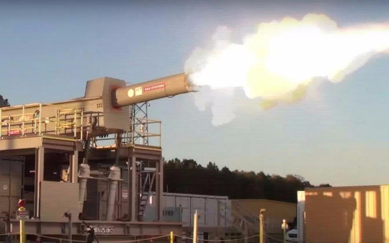 最近一家美国杂志就刊登文章爆料,在美国的电磁轨道炮项目经过10年的