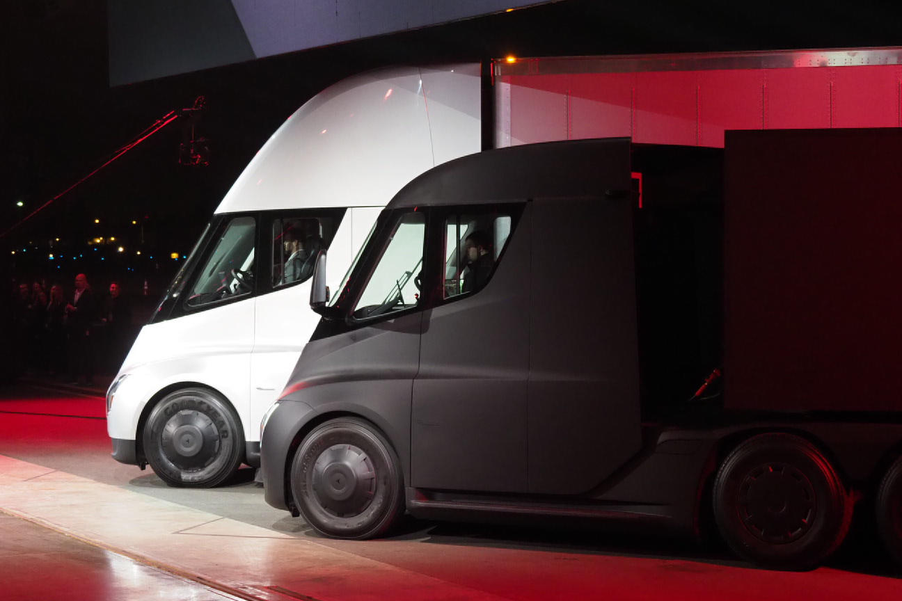 土豪的新玩具,加速最快的卡车来了!