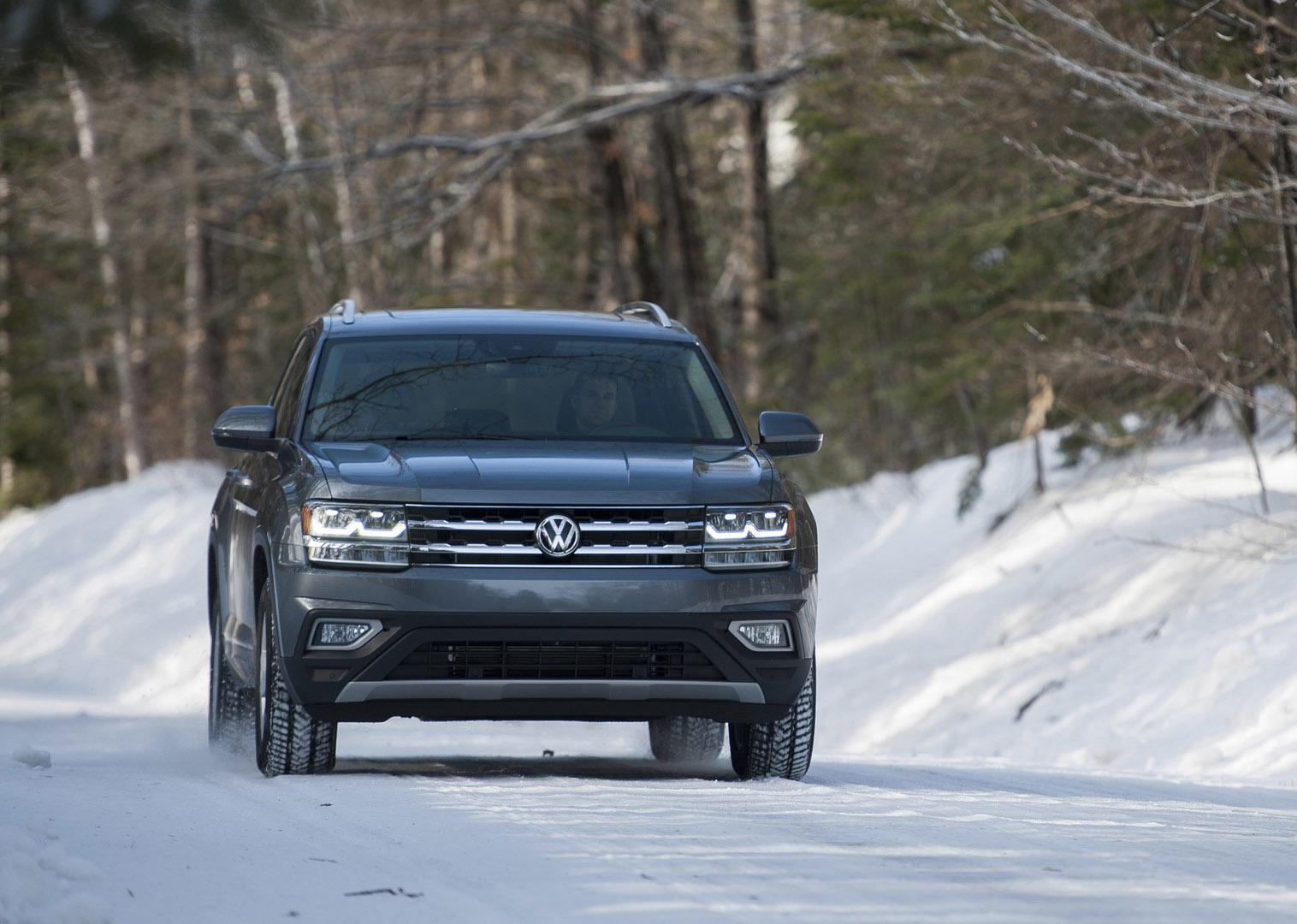 面对突如其来的大雪,老司机告诉你,为啥SUV有四驱也一样滑