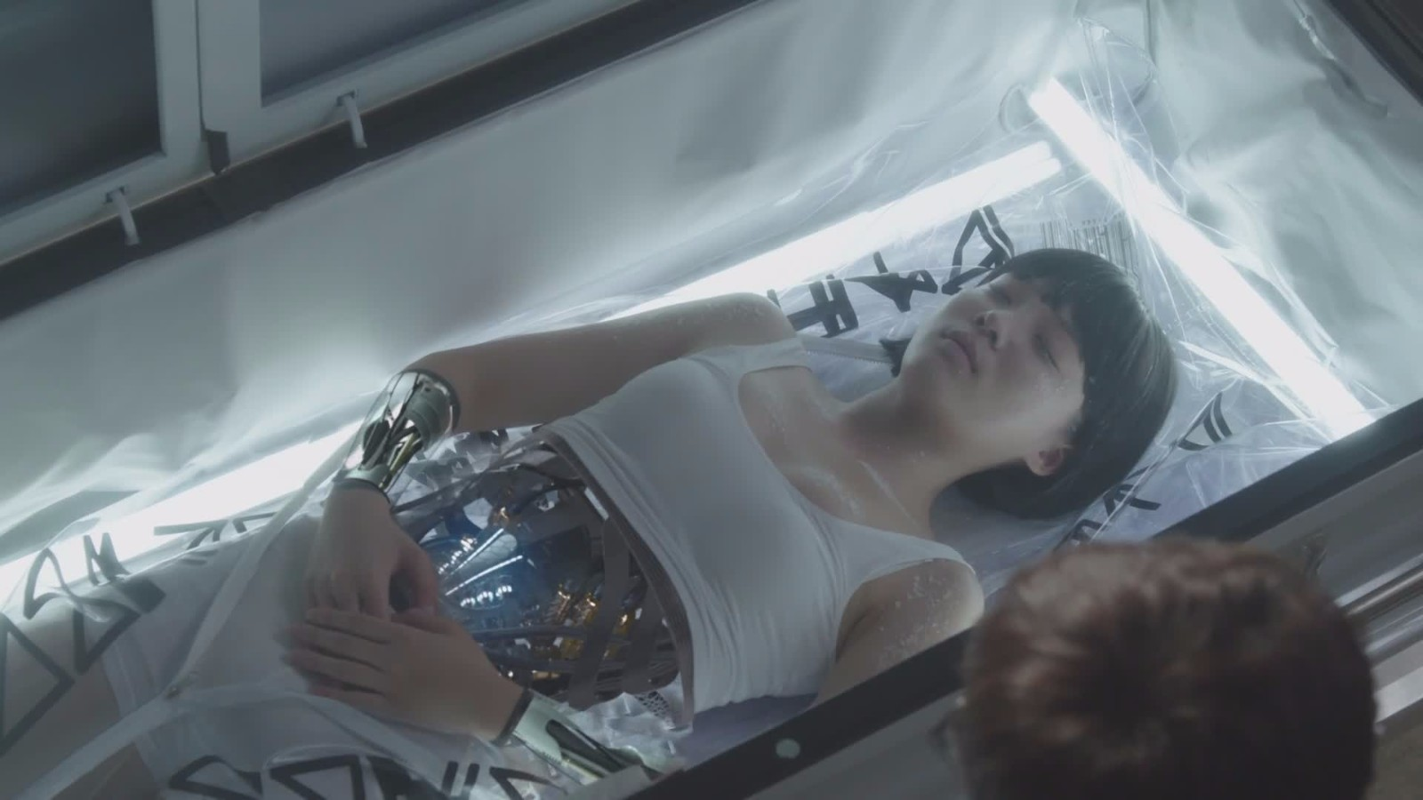 单身族们可以拥有自己的女情感机器人,奇葩的是爱上你就会死掉奥图片