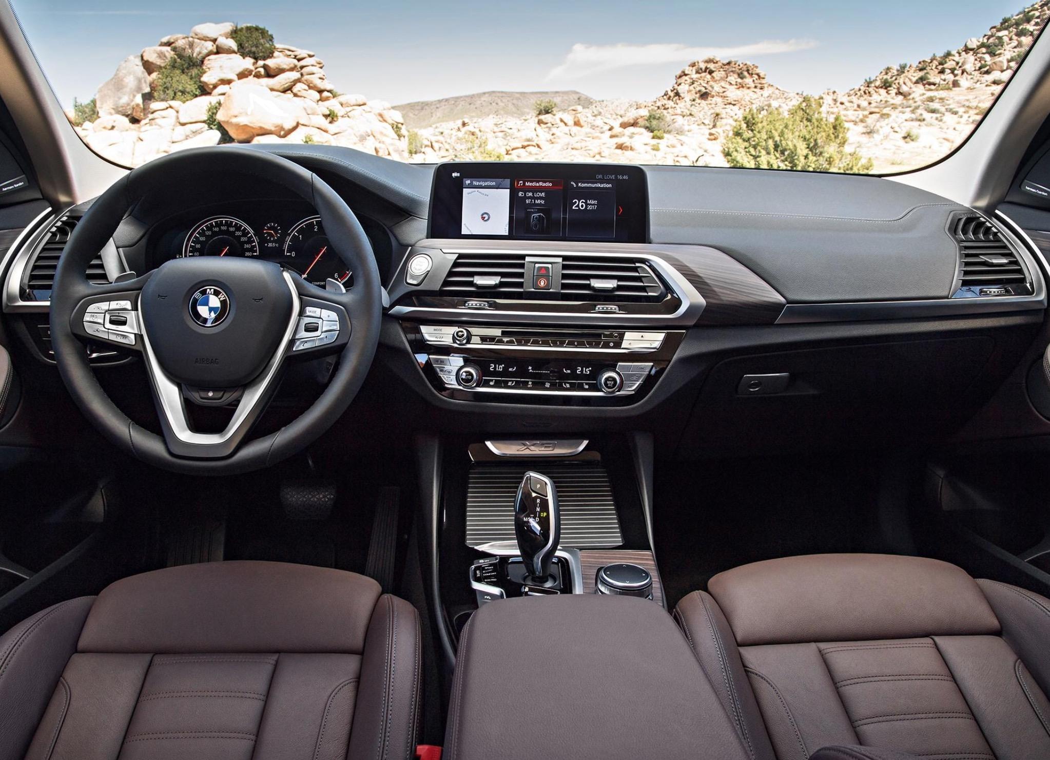 宝马X3终于要国产了,内部空间比奥迪Q5大,奔驰GLC开始着急了