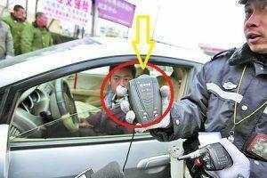 交警提醒: 这三件东西安在车上, 扣分罚款没商量!!