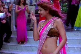 这一段歌舞,汇聚了印度的大半个娱乐圈,看看都认识几个