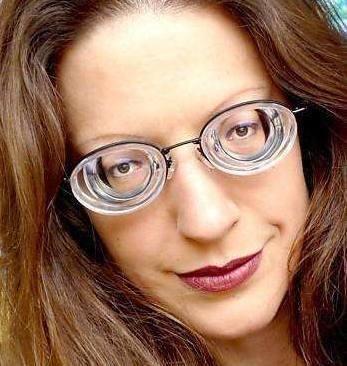 期戴眼镜眼睛�9oh_戴眼镜如果不化妆会显得眼睛比较下,特别是对于高度数人群来说,因为