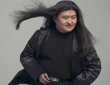 男星留长发,黄渤野性,金城武帅气,网友却最喜欢这一位