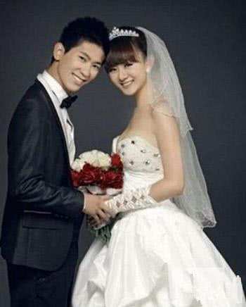 《乡村爱情》里小李秘书的饰演者周弋楠,是一位称职的