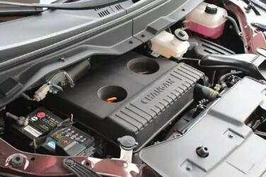 长安首款8座MPV, 10寸中控大屏, 才卖6万吊打宝骏730