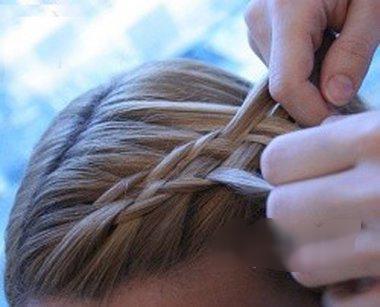 头发不长的鱼尾辫编法设计教程!