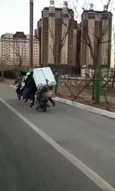续集来了,七座敞篷,脚刹,不费油费鞋!每日侃车中国新锐汽车媒体联盟   ...