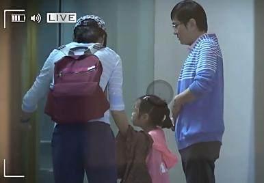 韩雪老公第一次亮相, 大韩雪18岁, 女孩子已经7岁, 家子环境相当利害!